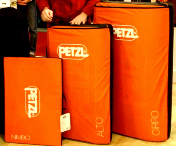 Petzl Crash Pads for Bouldering