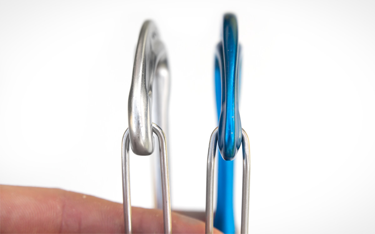 Comparison of carabiner nose design of Nano 23 (left) and Nano 22 (right).
