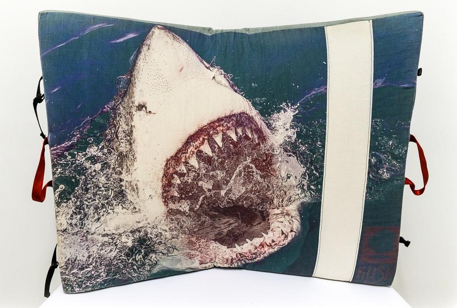 Jaws-Kush-Climbing-Crashpad